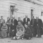 """anni '50 un'altra immagine di un gruppo di persone della casa di riposo """"Ospizio"""" (seduto, un personaggio famoso, Ruminichiell'i 33 anni"""")"""