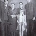 Anni '50 La famiglia Zampino (Leonardo Zampino con la moglie, Elena, e i figli Antonio, Agostino e Rosaria)