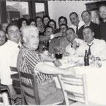 """(foto fam. Leonetti) 29-6-1964 Un """"San Pietro"""". Si festeggia a casa dell'avv. Pietro Cumino(seduti da sx,A.Cumino,S.Arena,F.e D.Cosentino,P.Cumino,A.Di Noia,N.Scura(in piedi) G.B.Leonetti,P.De Gaetano,D.Sapia"""
