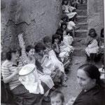 Anni '70, 'a mastra, Anna Luzzi,da sx M.G.Madeo,L.Pellegrino,F.Imperiale,M.Dima,P.Scarcella,F.Manna,M.Suma,M.Perri,C.Berardi,M.Scarcella,C.La Macchia,A.Carrieri,M.Niccarato