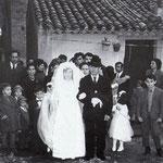 1970-Corteo nuziale della sposa Grazia Zangaro, accompagnata da Francesco Elia nel centro storico.