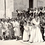 29/6/1958. Corteo nuziale degli sposi Gemma Montalto e Gennaro Schiavelli(foto ricordo in Piazza Municipio)