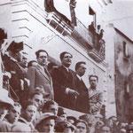 1935 In Piazza del Popolo comizio dell'on. Cianetti del partito fascista. Alla sua destra il podestà Gaetano Fino
