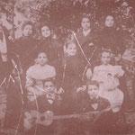 1888 La famiglia Abenante. A sx Luigi Abenante, a dx,Orazio Abenante. Al centro la moglie di Orazio Abenante, la baronessa De Stefani.