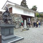 陣屋跡の櫓門