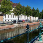 Stadtkanal mit Wasser