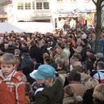 Glücksthaler-Ziehung auf dem Markt, Foto C. Kleinefeld
