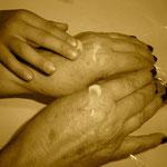2- Tus manos, mis manos