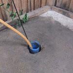 so 'schlicht' sieht nun also der neue Brunnen aus - ein Loch im Boden, mehr nicht.. und doch ein riesengroßer Luxus  :-)