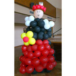 Schwarzwaldmädel aus Ballons für Verleihung Kleinkunstpreis in Bräunlingen