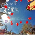 Heliumballonherzen als wunderschönes Motiv für Ihre Hochzeitsbilder