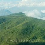 ...haben wir noch einen schönen Blick auf den Mount Meru, einer von vielen Vulkanbergen in dieser Region.