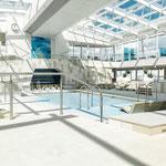 Innenpool / Foto: TUI Cruises GmbH Hamburg