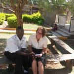 gehörloser Lehrer Cosma und ich am Eltern-Besuchs-Tag
