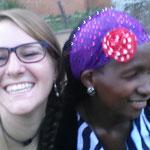 Nabanjja - gehörlose Erzieherin der Taub-Blinden Mädchen