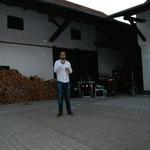 Elmar Paulke erzählte den interssierten Zuschauern viel über unseren Dartsport...