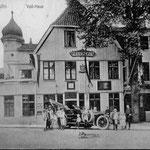 """Voß-Haus: zunächst von Graf Friedrich Leopold Stolberg bewohnt, später Wohnhaus von J. H. Voß, der hier die Übersetzungen von Homers Epen """"Ilias"""" und """"Odyssee"""" schuf, seit 1885 Hotel und Restaurant, 2006 vollständig abgebrannt"""