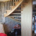Artisan concepteur : Escalier 2/4 Tournant avec fût central.N°18