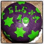 Torta Compleanno Elena - Red Velvet ricoperta da Pasta di Zucchero