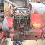 Zylinder und Zylinderkopf sind montiert, will erst mal nur wissen ob der Motor mit wieviel Druck läuft. Anschießend wird wieder zerlegt und gewissenhaft wieder aufgebaut.