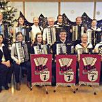 Gruppenfoto des 1. Orchesters mit Dirigentin Lydia Lick