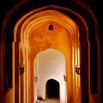 Neemrana, Indien: Aufgang zum Neemrana-Fort