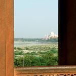 Agra, Indien: Blick vom Red Fort auf das Taj Mahal