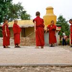Nepal: Mönchsnovizen im Kloster