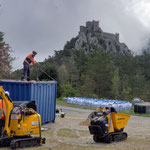Jeudi 22 avril -  préparation du matériel au parking pour l'enchaînement des rotations