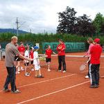 Andi, Bohdan und Pavel verraten den Kids ihre Aufschlag-Tipps