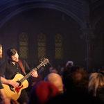 """Jay Malinowski improvisiert spontan abseits der Bühne eine Coverversion von """"Stand By Me"""" mit Chuck Ragan"""