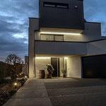 Privathaus Mainz Linienleuchten Außenbereich