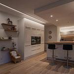 Privathaus Odenwald LED-Linien Küche und Einbaudownlights