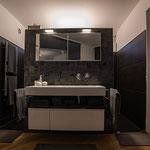 Privathaus Mainz Linienleuchten Badezimmer