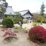 宝福寺の境内