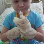 Лейкоз у детей. В больнице дети играют во врачей