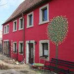 Das Listhús in Maxen - farbenfroh. Foto: © D. Kunze