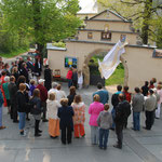 Enthüllung des restaurierten Kirchhofportals 2011. Foto: © M. Simon