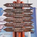 So weit ist es von den Orten zur Antarktis