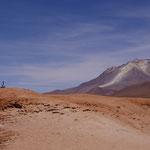 Dann ging es durch eine Vulkanlandschaft auf 4500m Höhe - er spuckt Sulfor