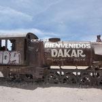 erster Stop an einem Eisenbahnfriedhof mitten in der Wüste