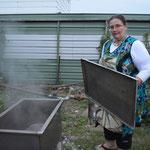 """Erika hat auch eine """"Steambox"""" in ihrem Garten und"""
