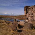 Die Chullpas von Sillustani - darin fand man Mumien in Sitzhaltung