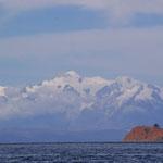 Der Blick von der Isla del Sol auf die Cordilliera Real ist einmalig