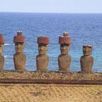 Statuen am Strand von Anakena, dieses Mal bei Sonnenschein;)