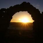 Sonnenuntergang auf der heiligen Grabstätte auf Amantani