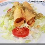 Für Vegetarier: Mini-Flautas - Frittierte Maistortillarollen mit Kartoffel und Käse gefüllt