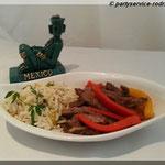 Fajitas mit Rinderfleisch und weißem Reis