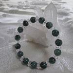 ●エメラルド9mm&水晶ボタンの念珠ブレスレット
