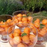 Boules de melon charentais au pineau et aux feuilles de menthe du jardin